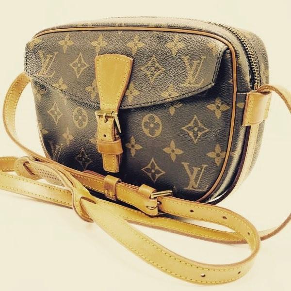 Louis Vuitton Jeune Fille crossbody #rococo #rococoresale #louisvuitton #LV