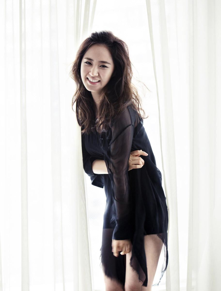 011_WKorea_FashionKing_Hye-RyoungMin_07.jpg