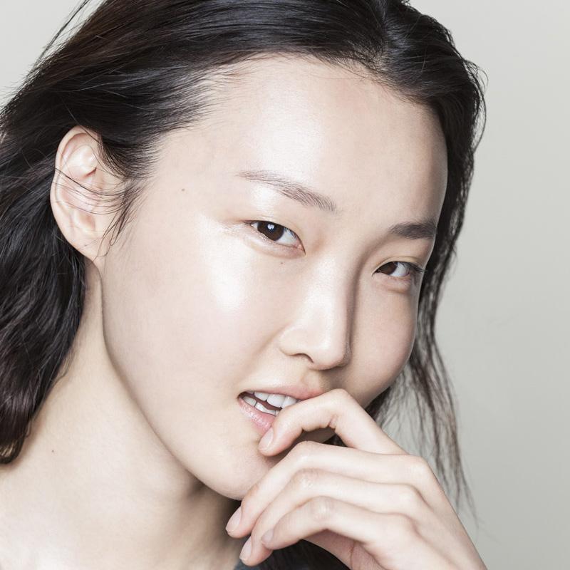 PeachnLily_Hye-RyoungMin_01.jpg