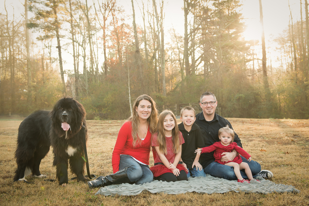 family of 5 with dog