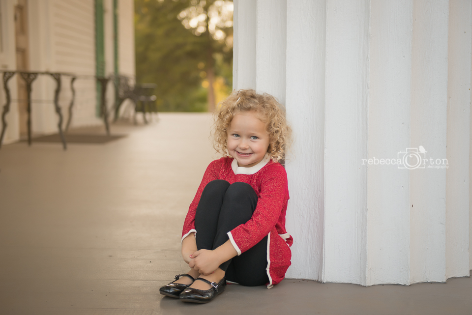 beautiful curly blonde 5 year old in roswell home