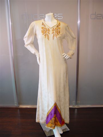 EMANUEL UNGARO PARIS BOUTIQUE LATE 70S PERSIAN STYLE HOSTESS GOWN WITH HANDPAINTED DETAILS C LATE 70S SIZE 38[1].JPG.JPG