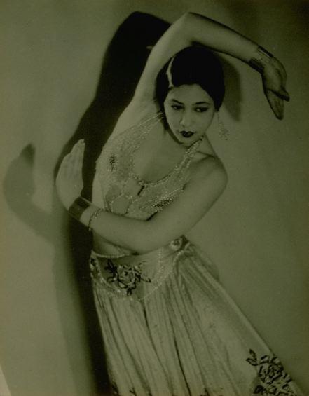 ManRay-Dancer-Simone-Prieuer-1930.jpg