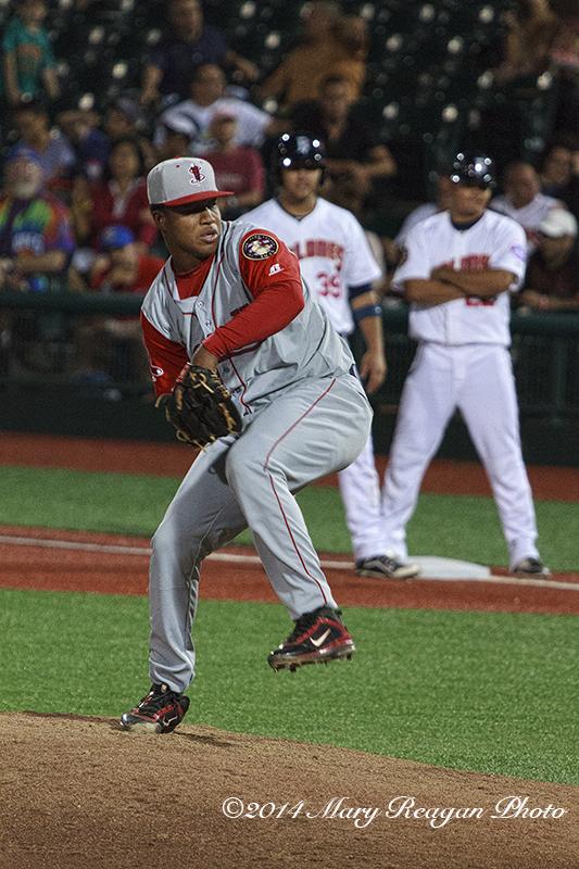 Carlos Pinales, pitcher