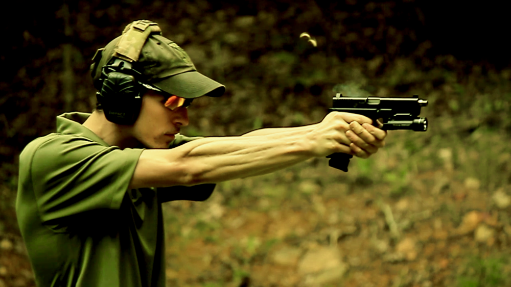 Teaching handgun at CHALLENGE Basic in 2014