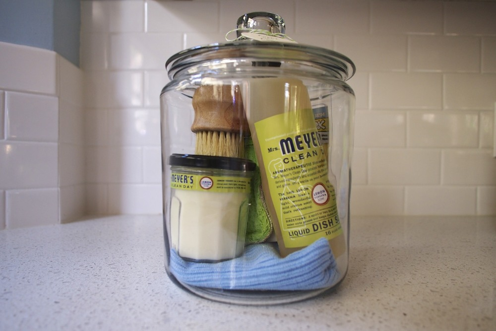 Diy housewarming gift sets this fine day for What to buy for housewarming gift