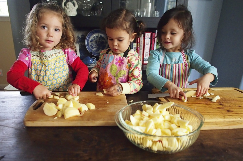 how to make applesauce with preschoolers three easy steps this