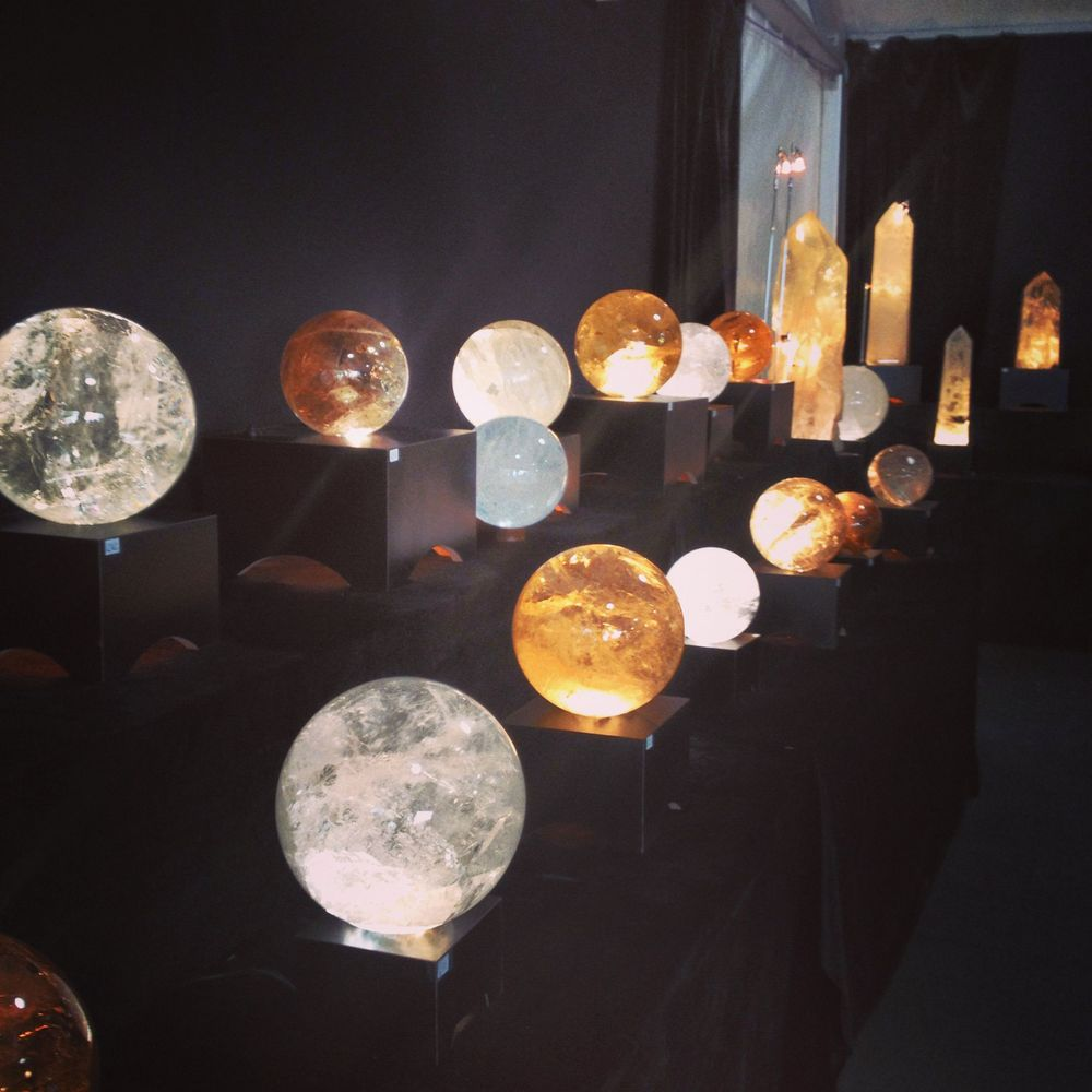 Quartzian carved crystals