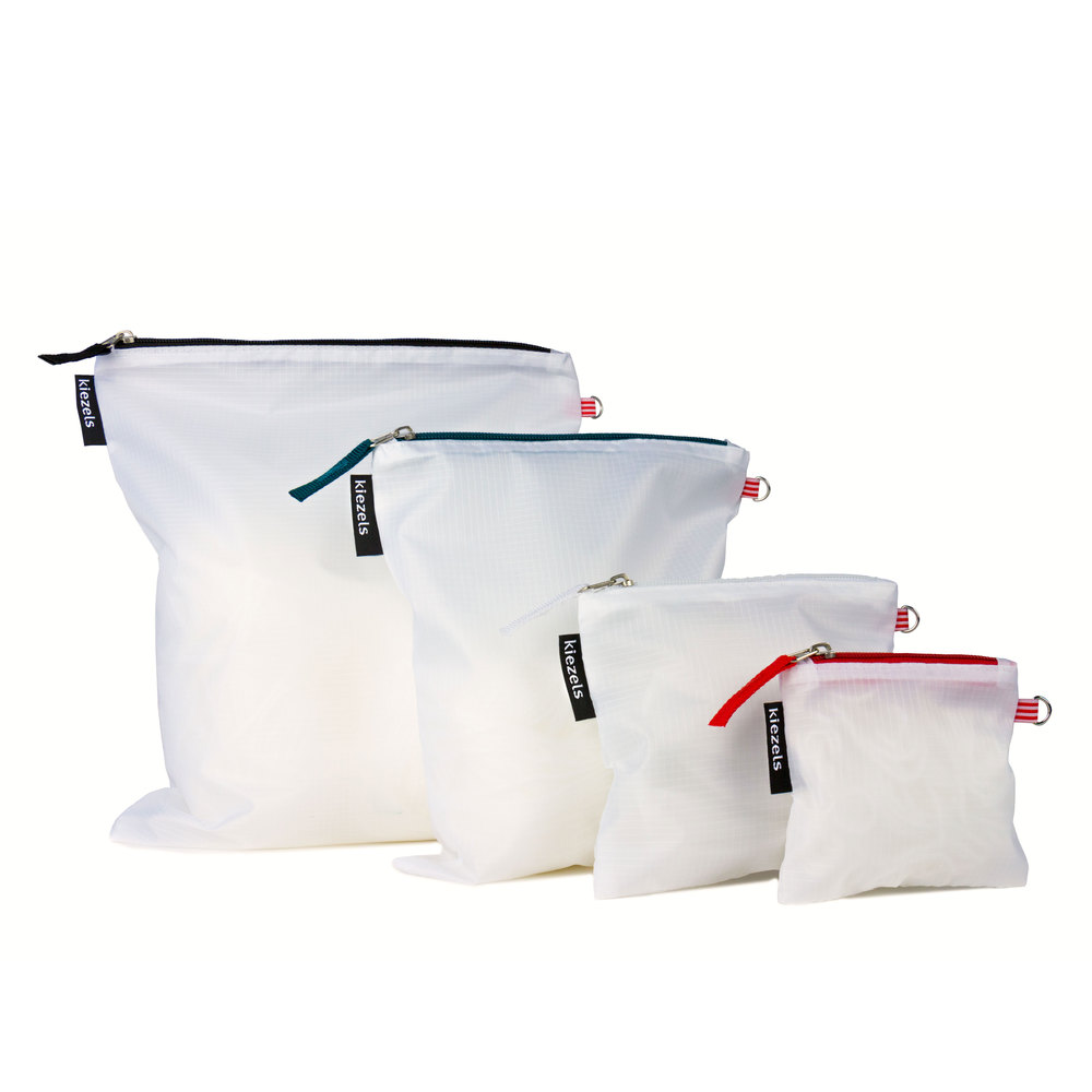 No. 205 Travel organiser bags - white € 18,50