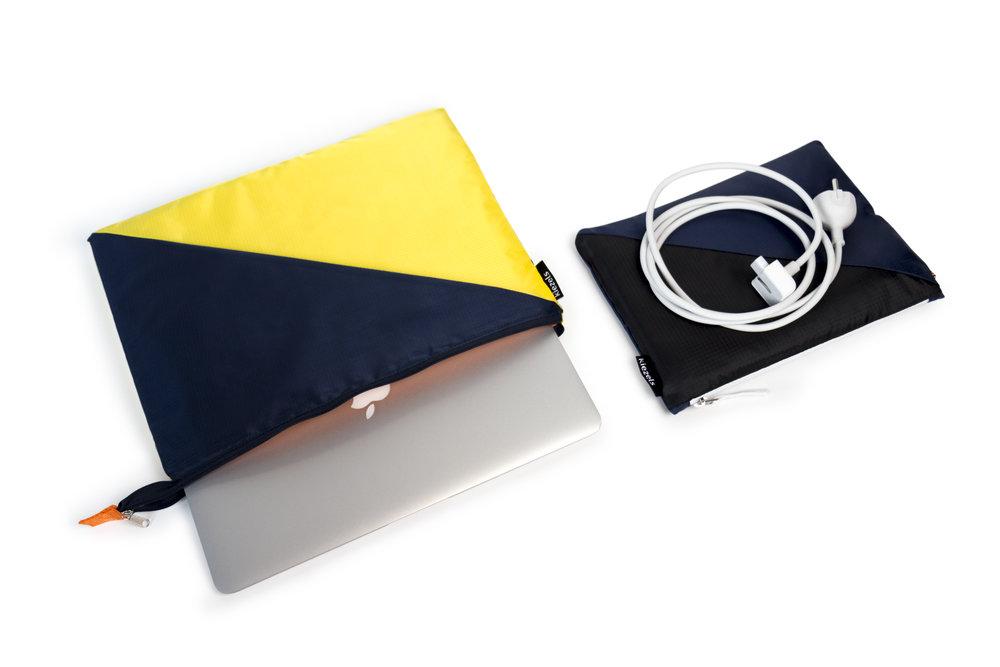 kiezels_laptopsleeve_blue yellow_350_2.jpg