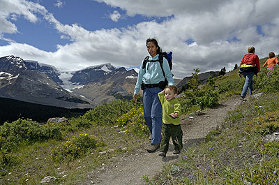 Family or Expert Mountaineering: Photo by Tourism Jasper