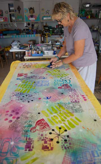 Alison Stillwell printing on common cloth.