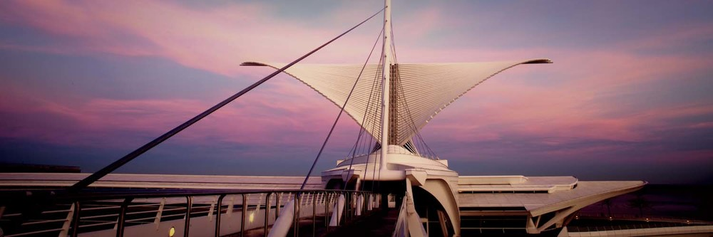 A frigid February sunset paints the Milwaukee Art Museum into it's own artwork.