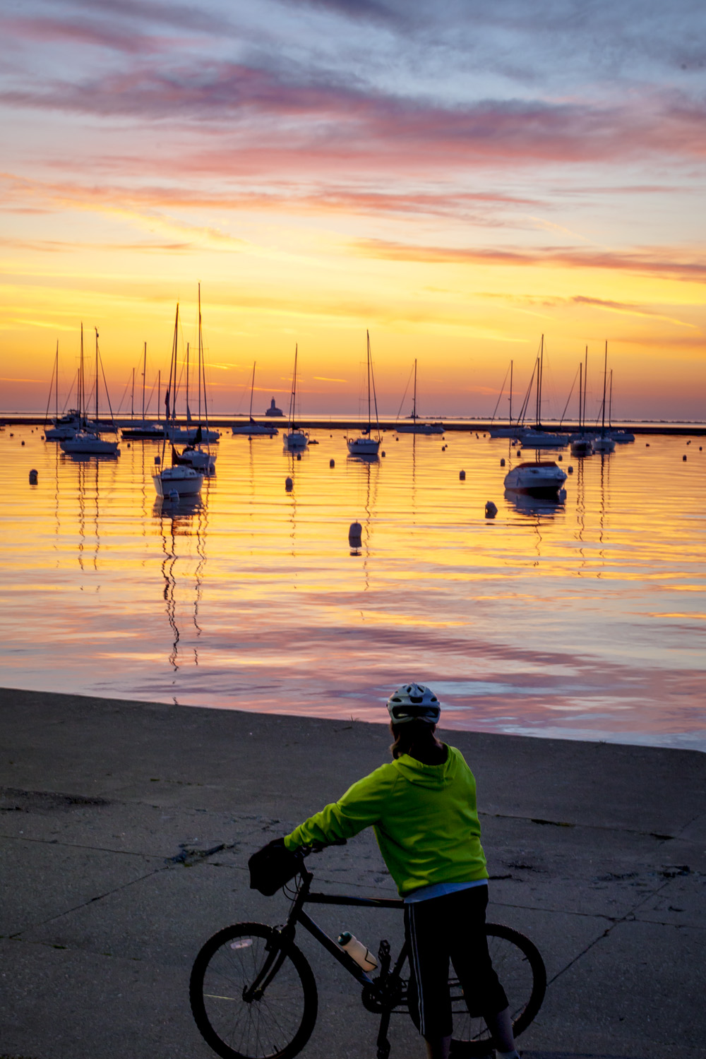 Chicago Marina Sunrise - Bike the drive. Chi