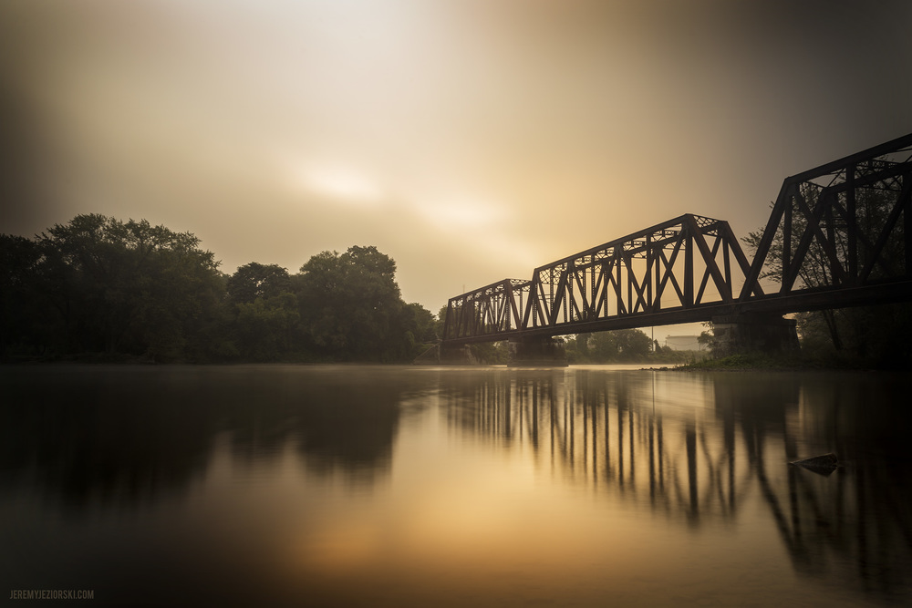 Sunrise-2013-08-20-mist-web-wm.jpg