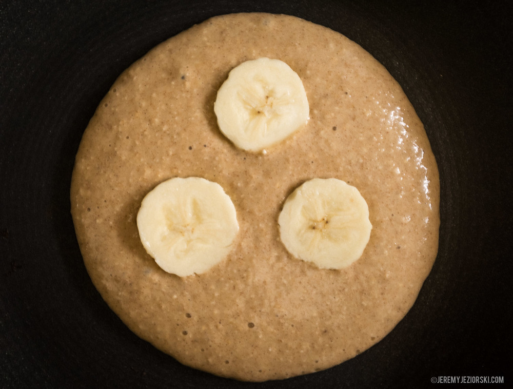 Healthy-Banana-Pancakes-Recipe-Emily-Jeremy-Jeziorski-09.jpg