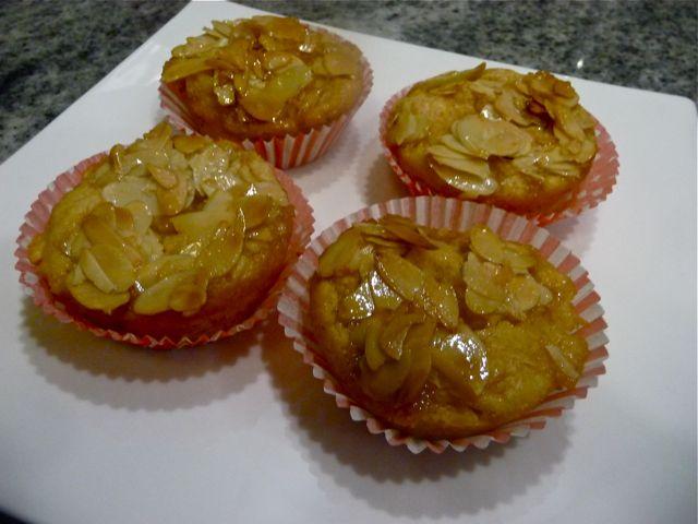 Quittenmusmuffins mit Honig-Mandelkruste