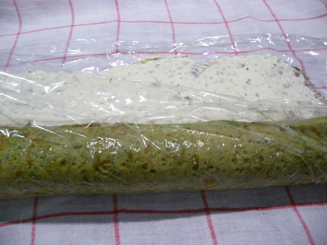 Spinatroulade mit Lachs-Frischkäsefüllung