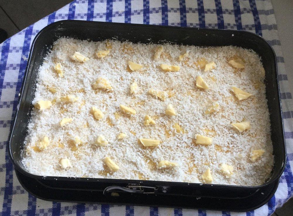 Ananas Blechkuchen mit Kokoskruste - 4.jpg