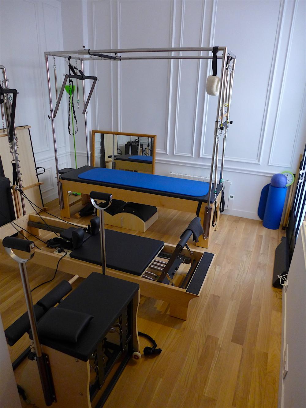 Notre studio utilise uniquement l'équipement Elina Pilates pour sa conception intelligente, de haute qualité et le bon fonctionnement. Il est fabriqué exclusivement dans l'Union Européenne.