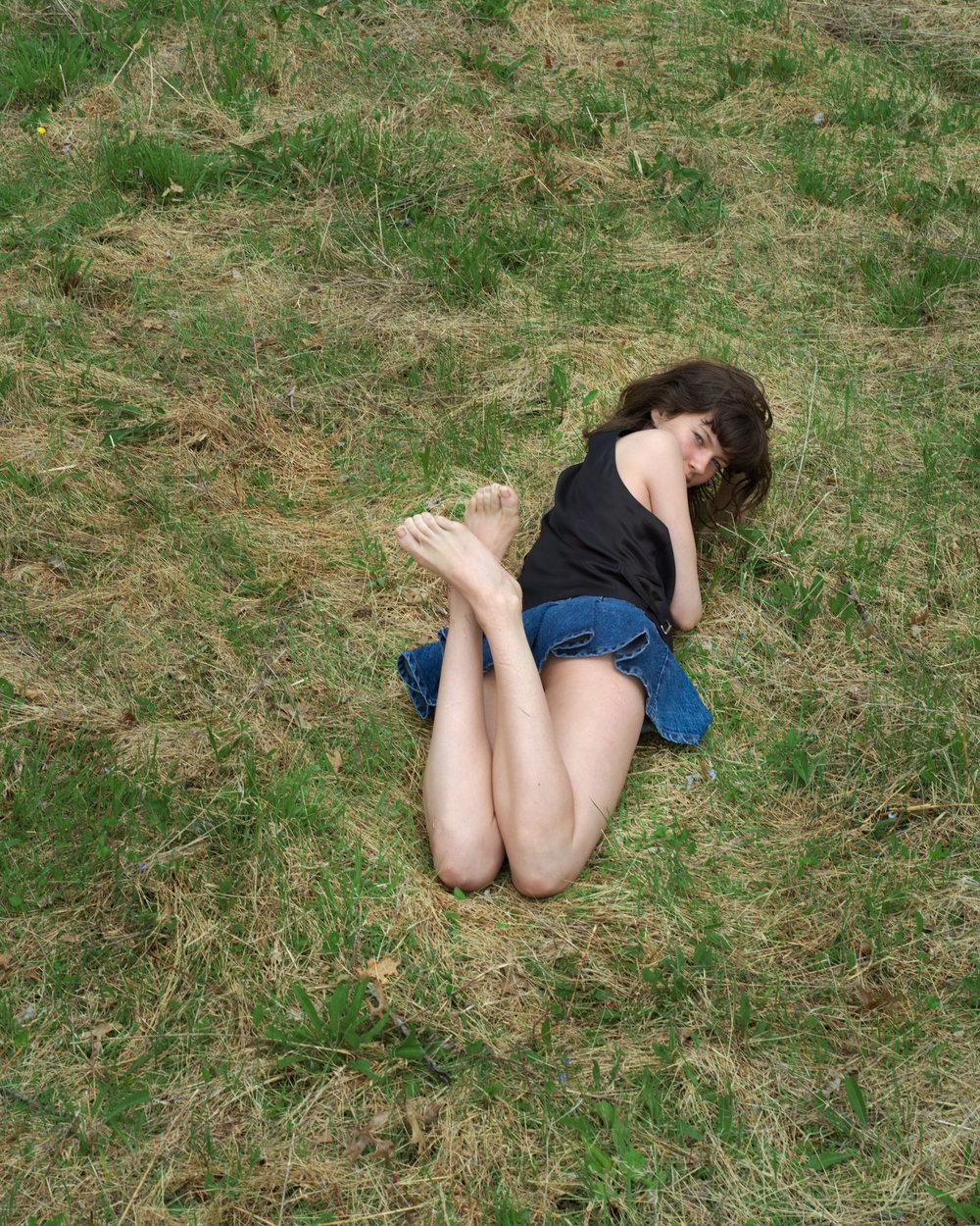 04-R-skirt-and-grass_0167.jpg