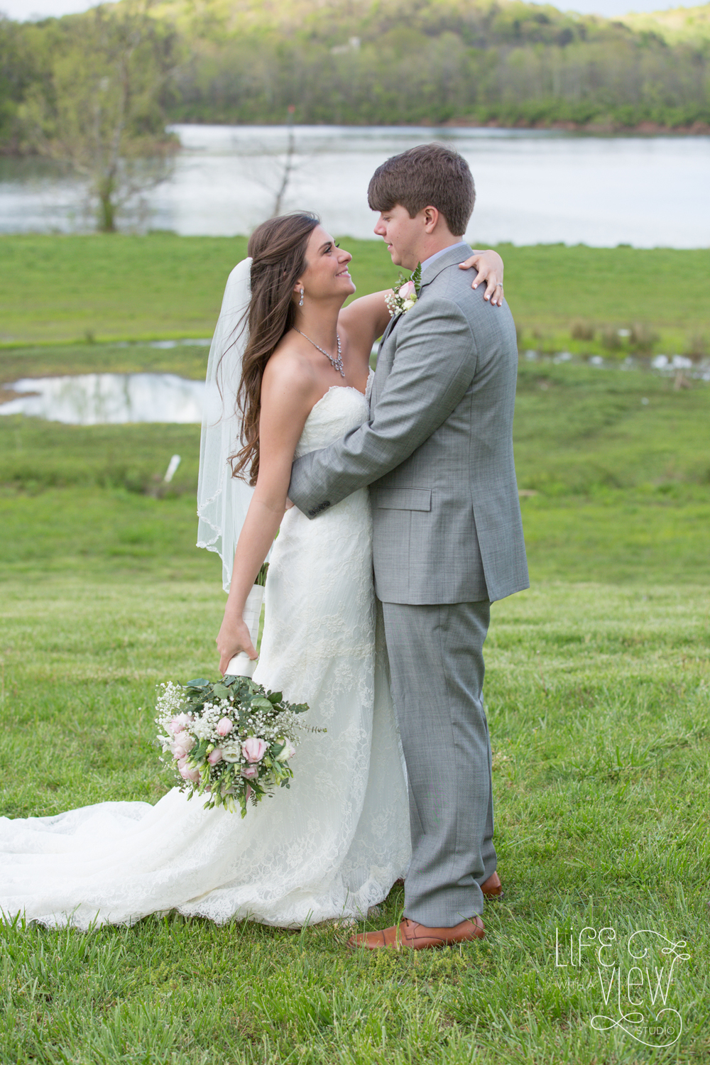 TN-Riverplace-Wedding-63.jpg