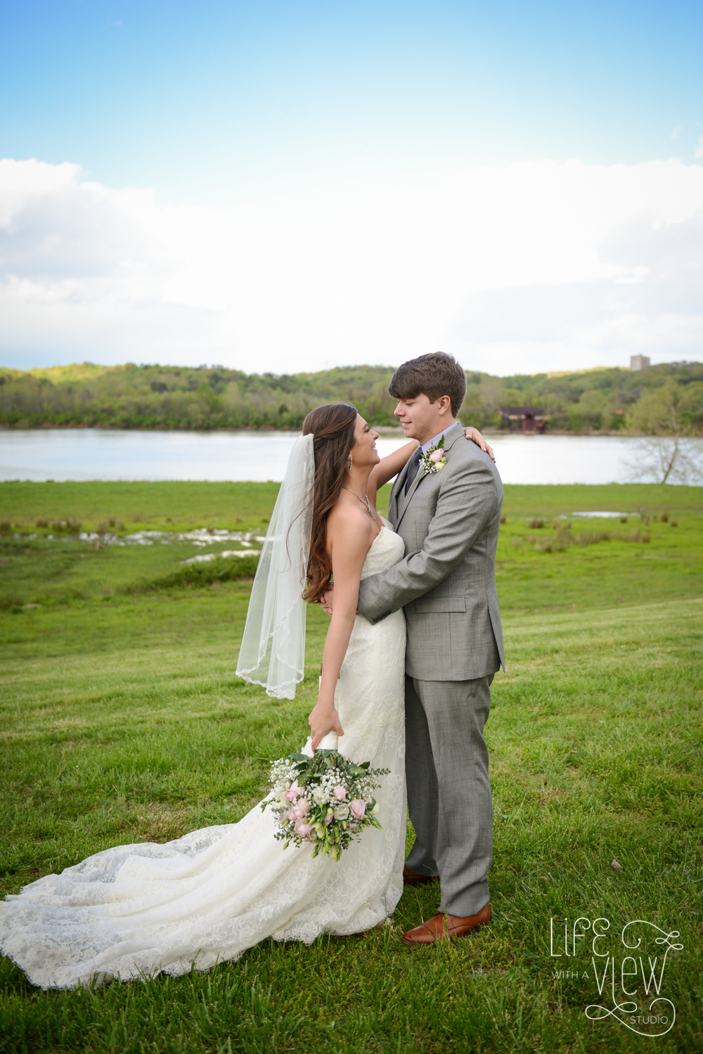 TN-Riverplace-Wedding-68.jpg