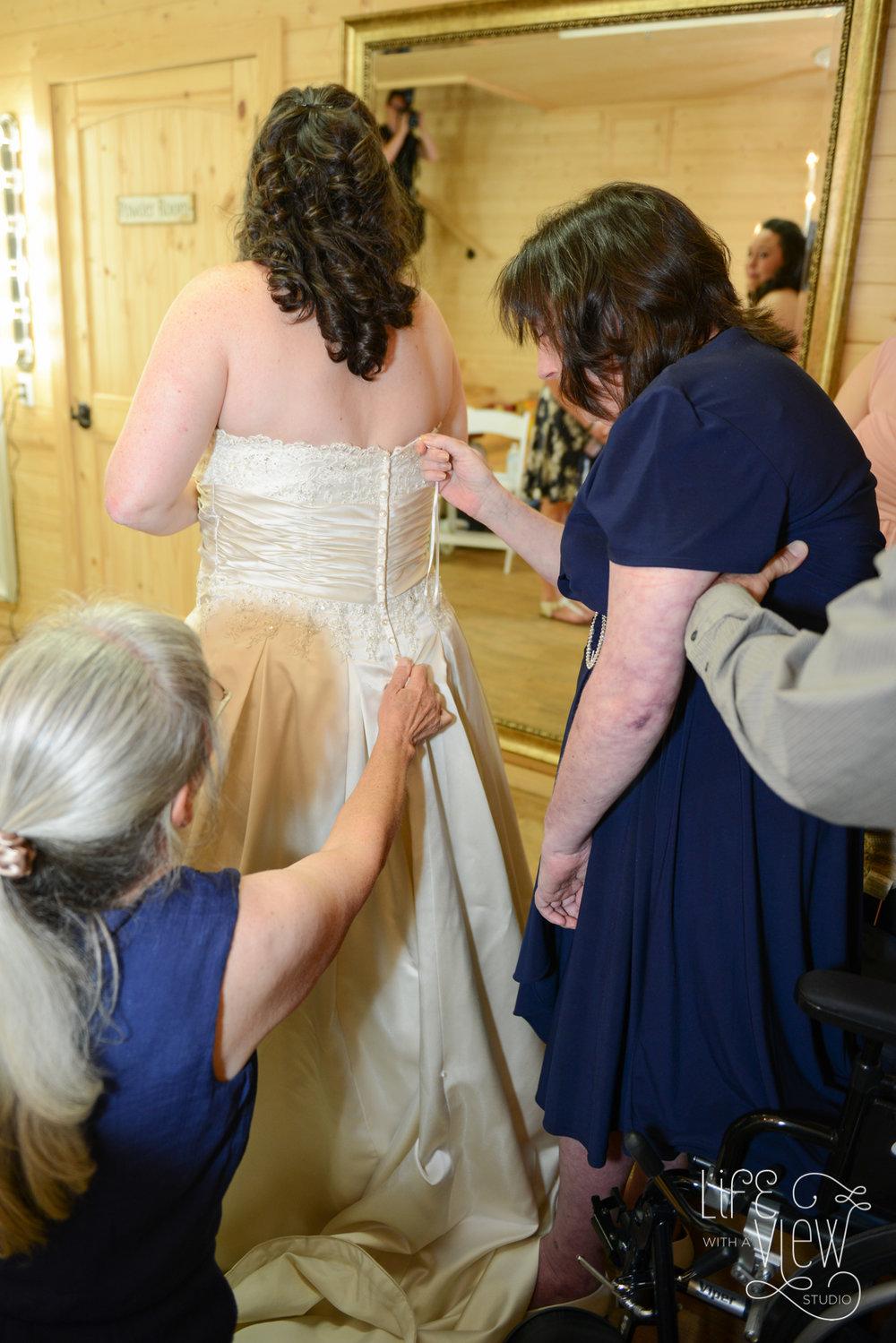 Howe-Farm-Wedding-24.jpg