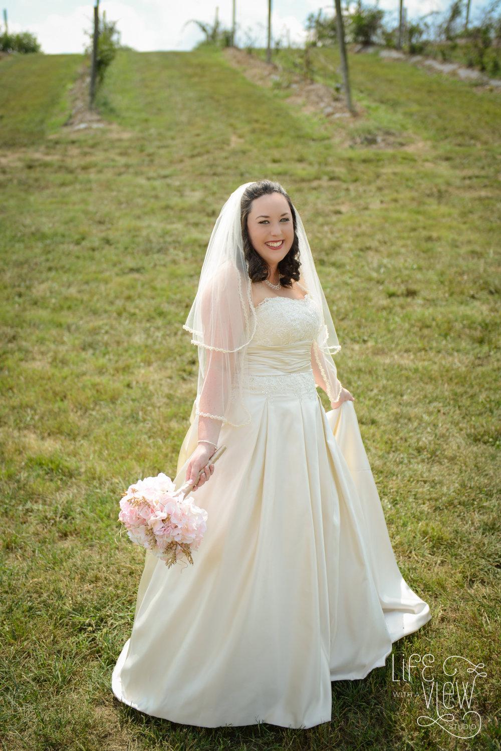 Howe-Farm-Wedding-34.jpg