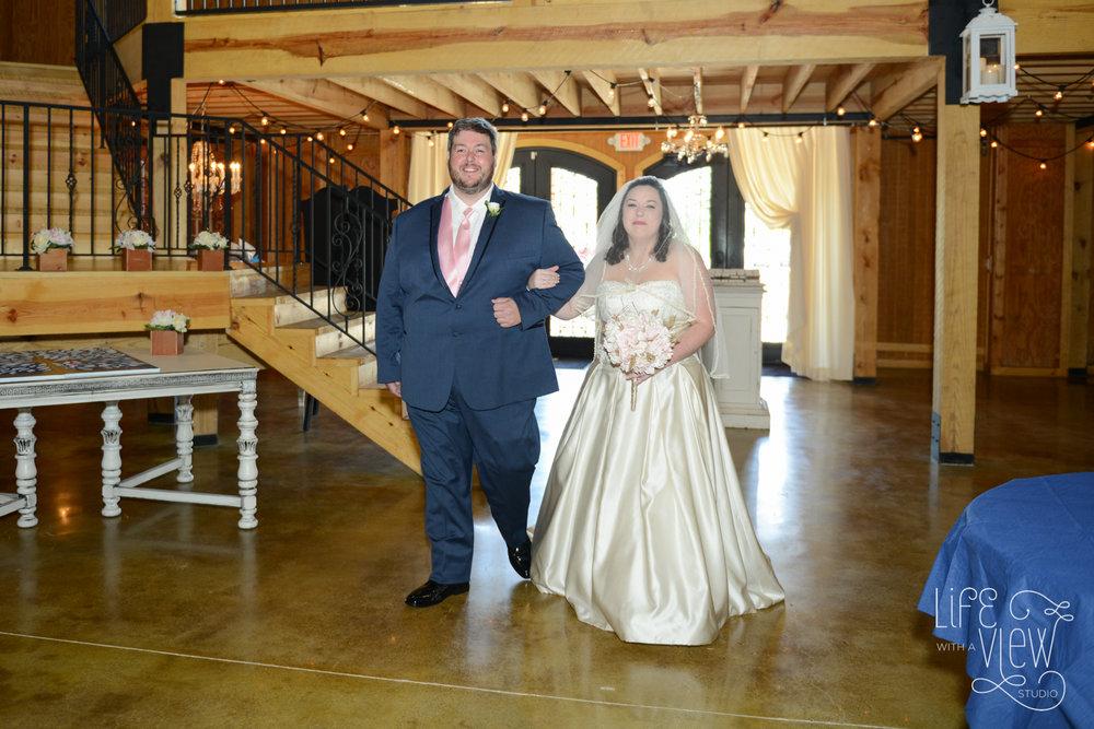 Howe-Farm-Wedding-41.jpg
