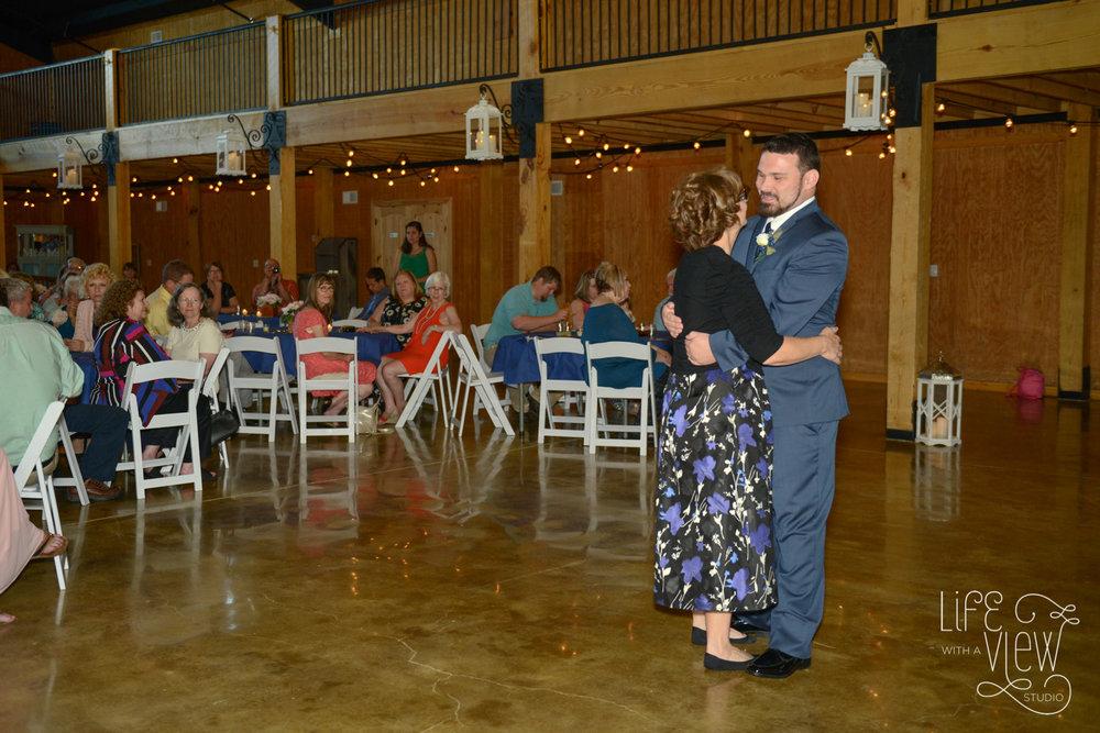 Howe-Farm-Wedding-68.jpg