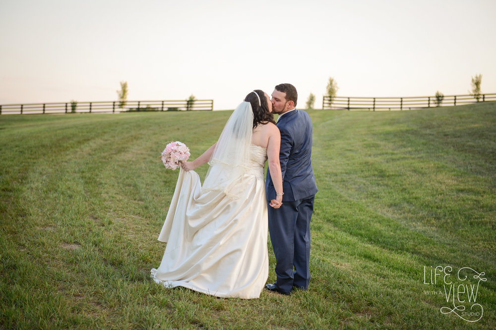 Howe-Farm-Wedding-91.jpg
