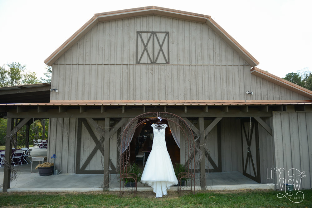 Barn-At-Ross-Farm-Wedding-3.jpg