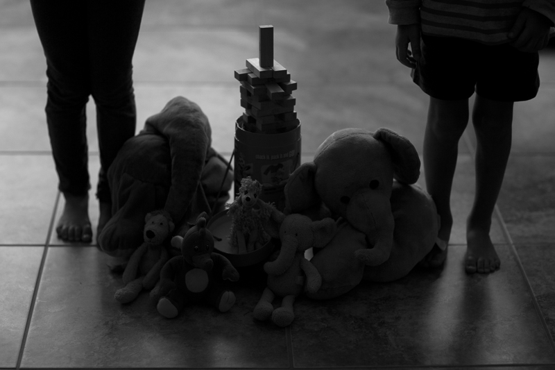 kids with toys bw