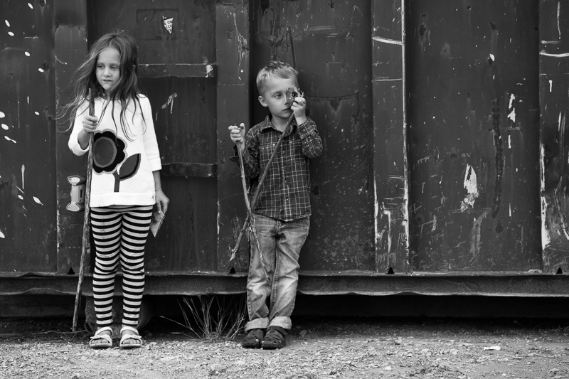 kids by container bw