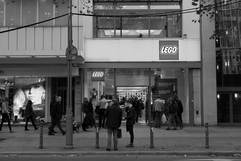 lego store berlin