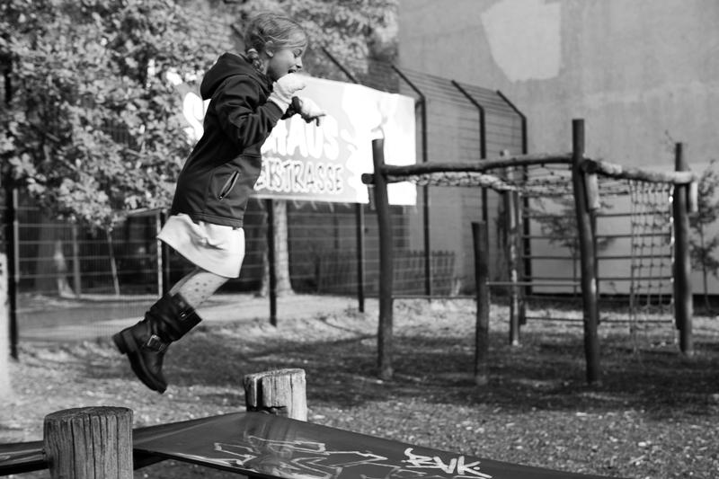 saffron jumps