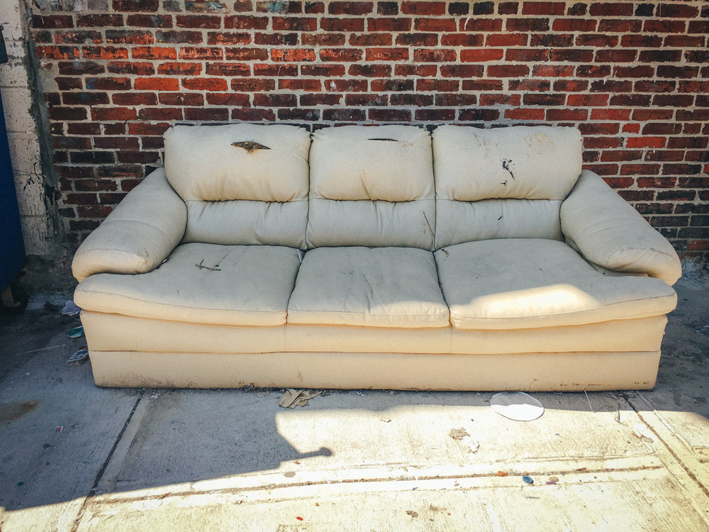 2018 couches00454032 x 30242018.jpg