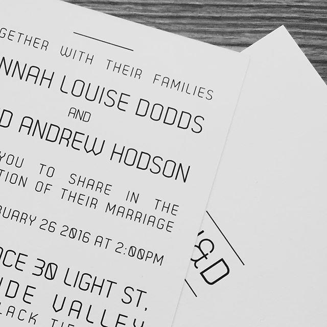 Black and white delite! Very modem and elegant wedding invites for the lovely @hanhodson + @oldmanhody