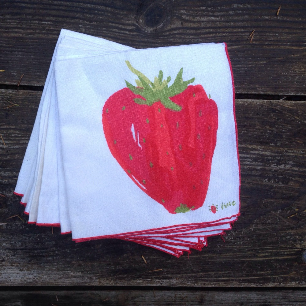 Vera cloth napkin set, available here