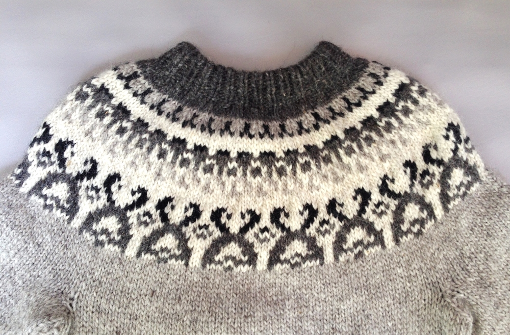 Men's vintage hand knit fair isle sweater
