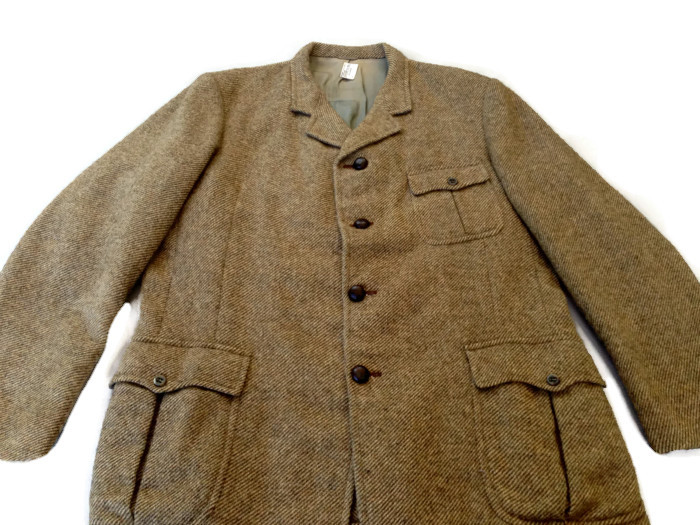 1960's Men's Tweed Jacket with Belted Back and Vented Shoulders