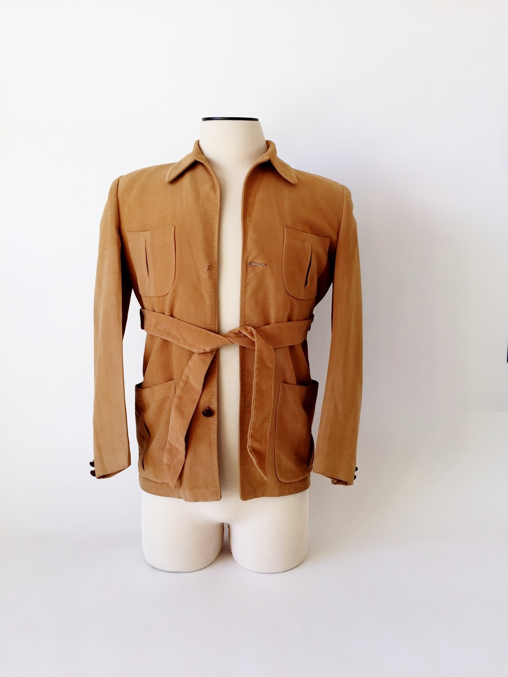 1940's belted leisure jacket with leather buttons