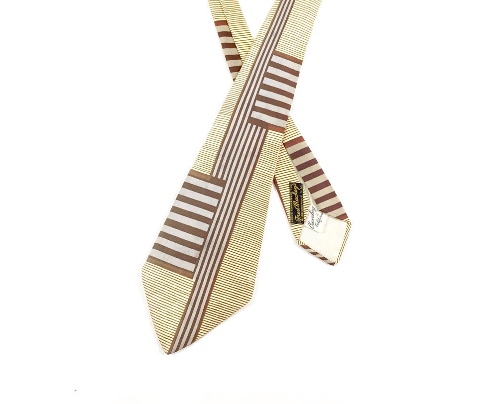 1940's Silk Necktie - Love the stripes!