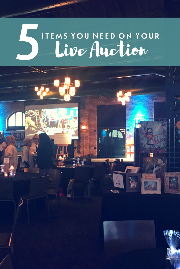 5 items you need on the live auction at your fundraising gala. You MUST read this before securing live auction items for your fundraiser! | Sarah Knox Fundraising Event Auctioneer