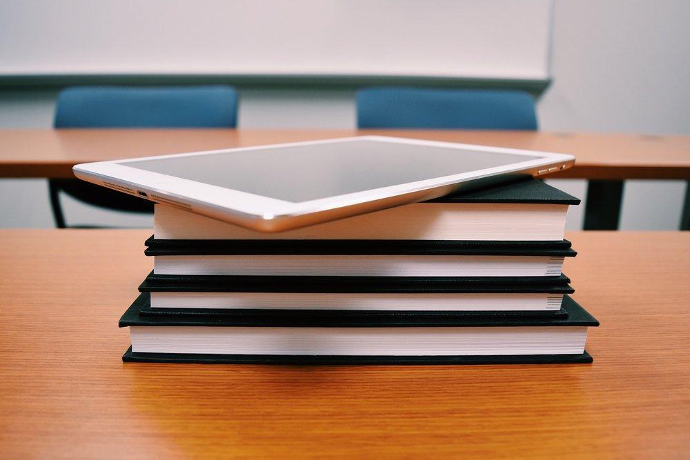tablet-1910019_1920.jpg