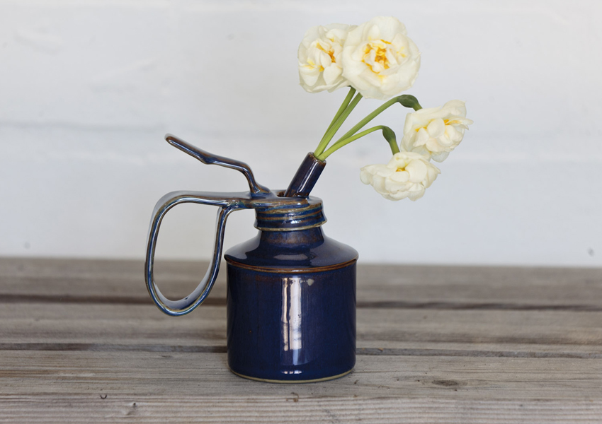 Oil can vase by Moritz Amelung