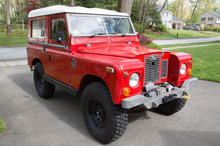 Scouted over on ebay. Click on the link to check out the photo gallery of this clean Series Land Rover.