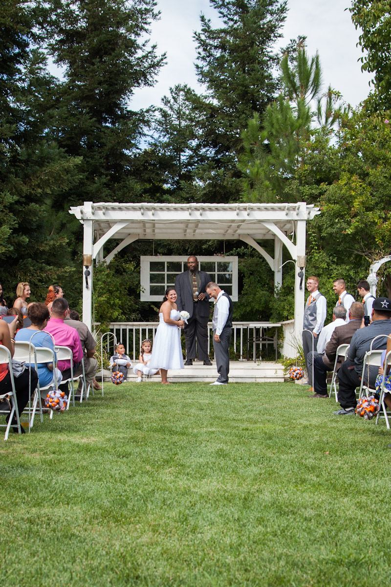 modesto barefoot wedding