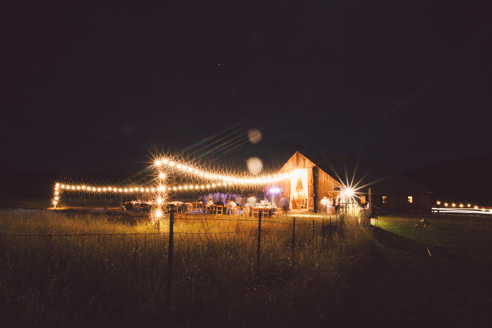stunning barn wedding